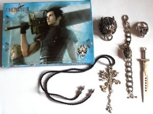 Final Fantasy Squall's Lion Heart Pendant Necklace Chain 5 set, collectors set